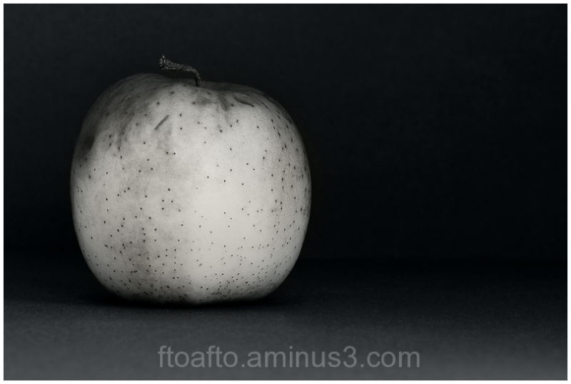 Una manzana / An apple