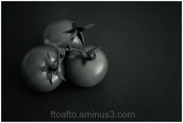 Tres tomatitos / Three littel tomatos