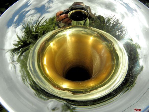Reflets dans une trompette