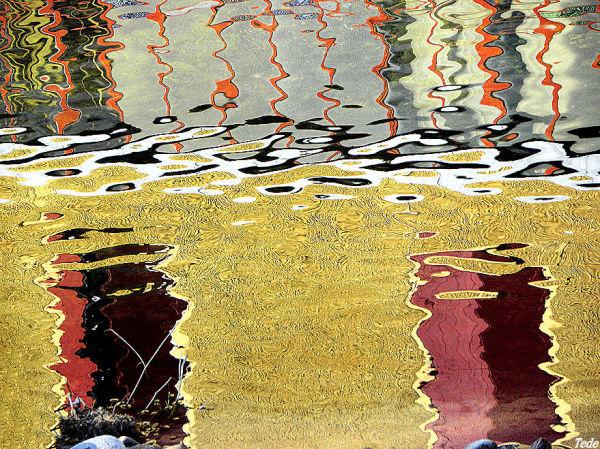 Reflets dans la rivière