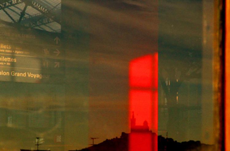 la Bonne Mère voit rouge / Marseille railways stat