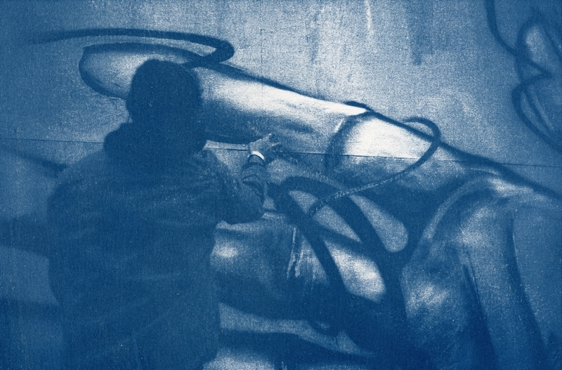 Contax G2 / Ilford HP5+ 400 @ 1600 / cyanotype