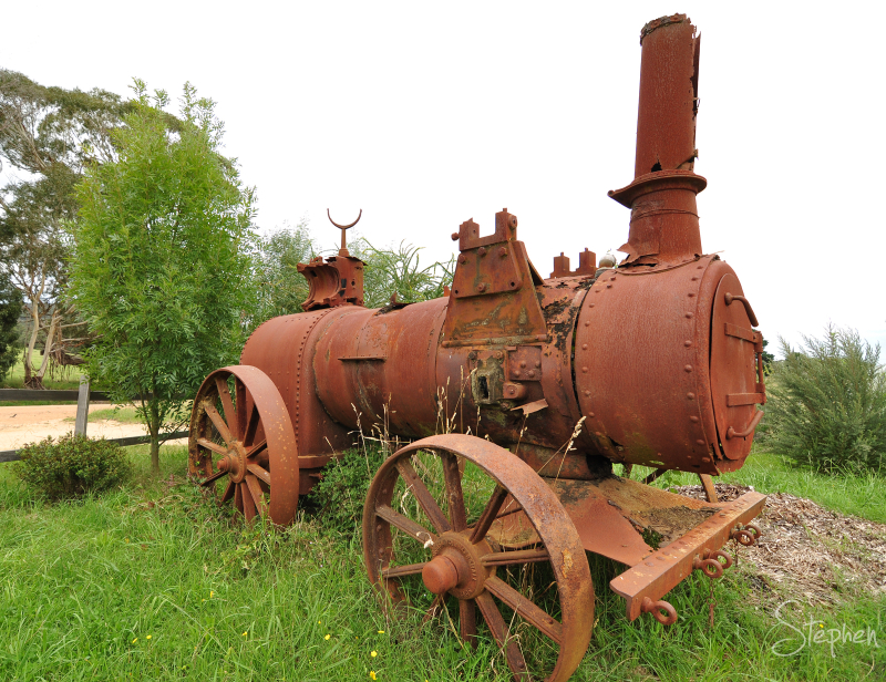 Old steam powered tractor at Reidsdale