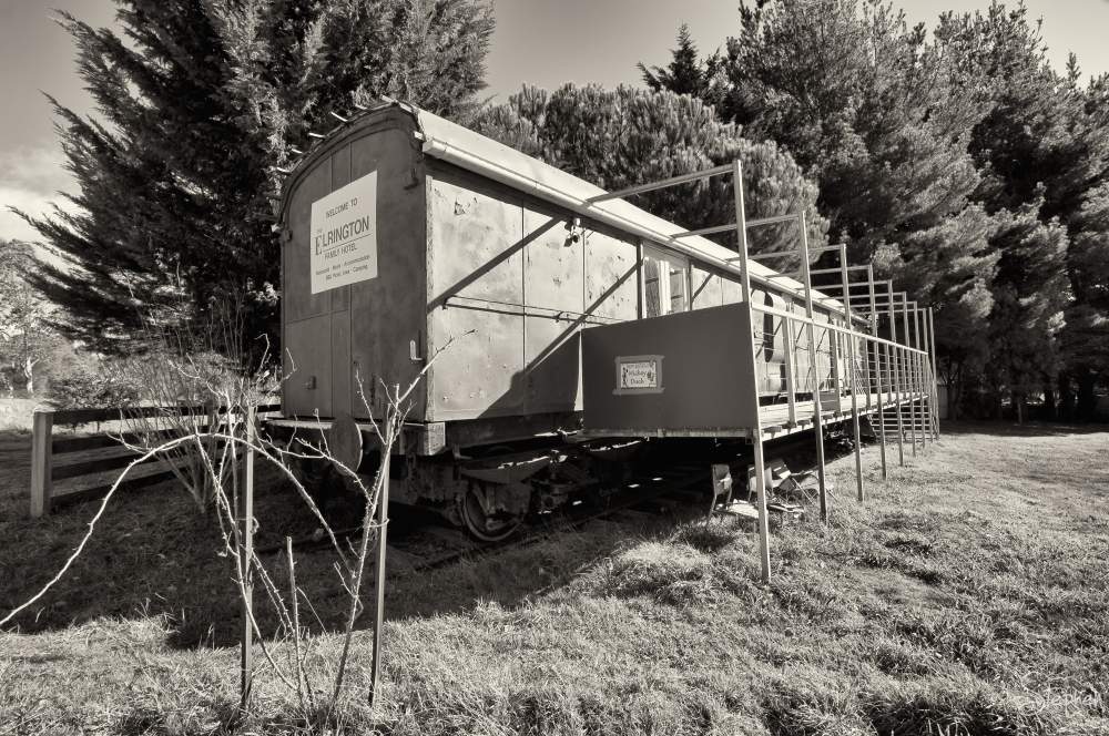 Railway carriage accommodation in Majors Creek