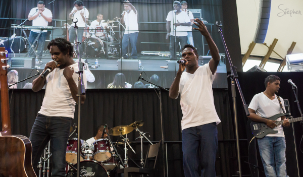 B2M on stage at National Museum of Australia