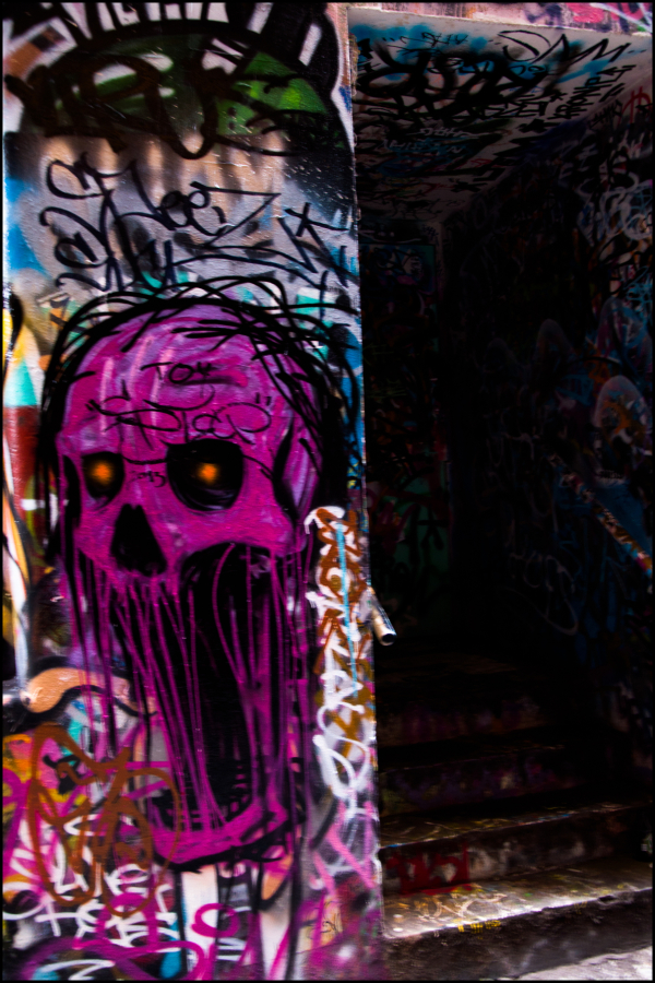 creepy graffiti