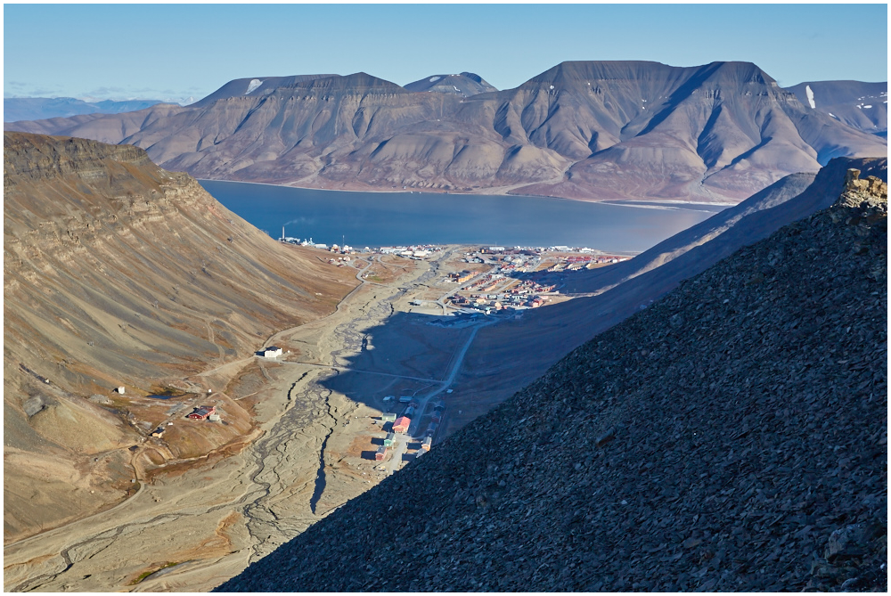 View to Longyearbyen from Sarkofagen
