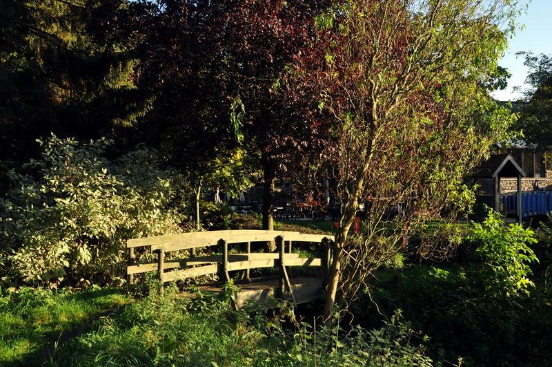 Le petit pont de bois.