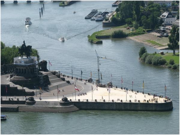 Quand la Moselle rencontre le Rhin ... à Coblence.