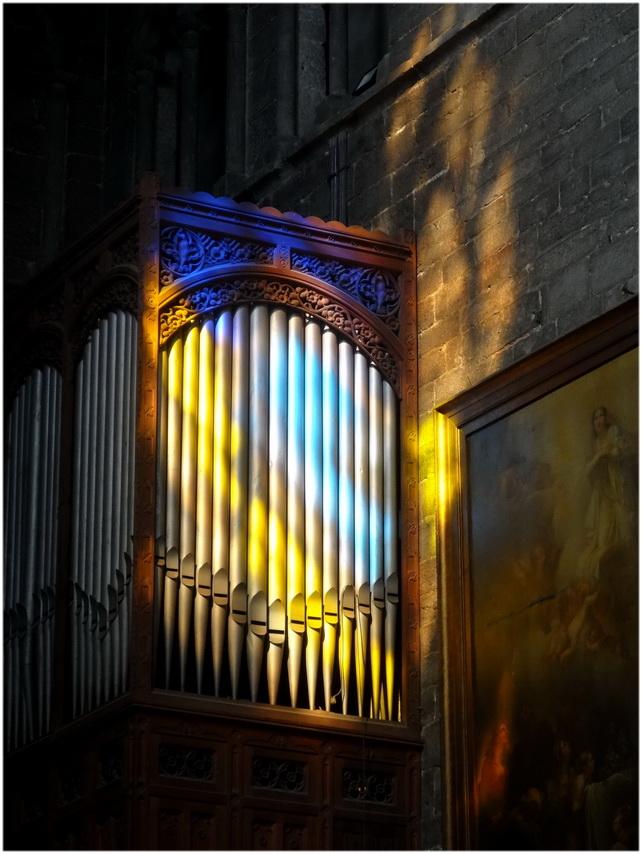 Dans la cathédrale 2