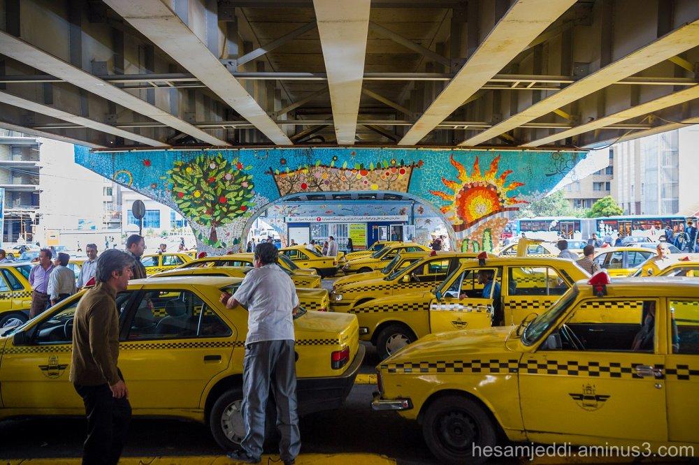 taxi...!