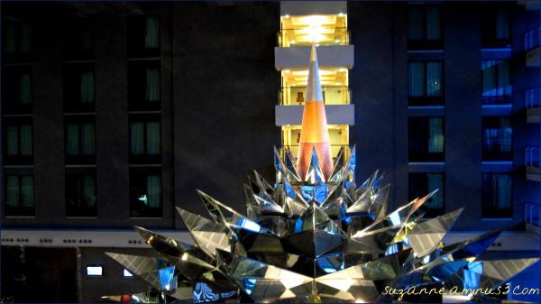 sculpture - Bangkok Novotel Hotel thailand