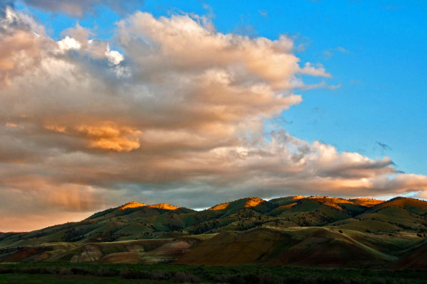 Dawn scene at Painted Hills of Oregon