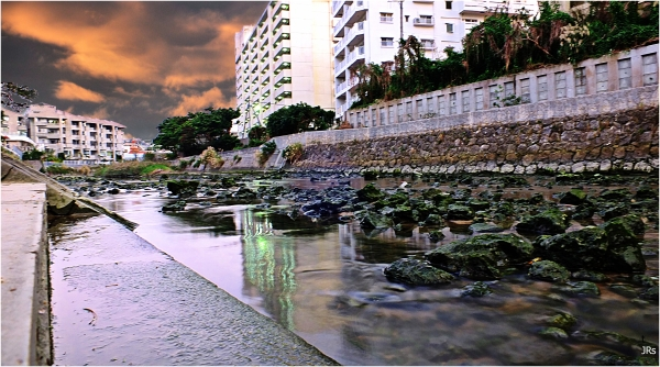 Using slow shutter speed on Urasoe City.