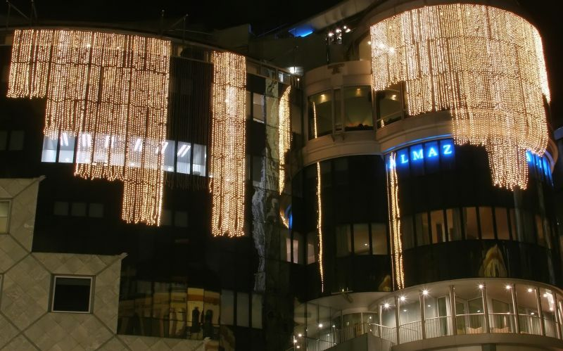 """haas haus"" in vienna with pre-christmas lights"