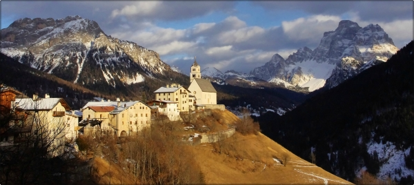 colle santa lucia and monte pelmo in panorama