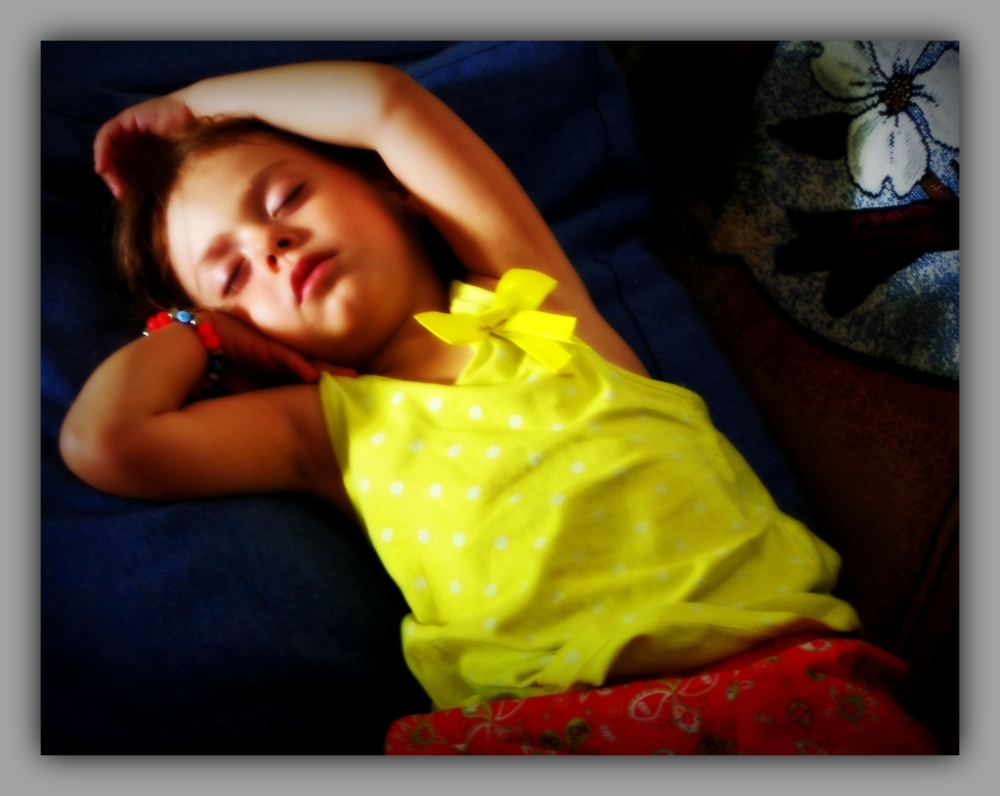 emilia, 46months old, sleeping, dreaming