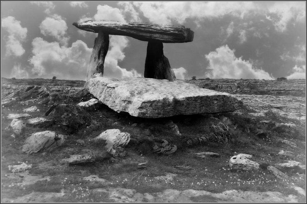 ireland, burren, poulnabrone dolmen, clouds