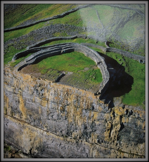 ireland, aran islands, dun aengus, ruins