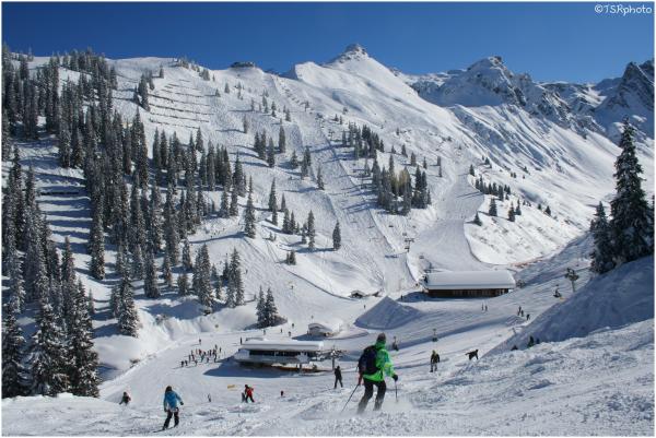 Skiers II