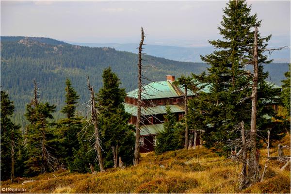 """""""Odrodzenie"""" - Mountain Hut"""