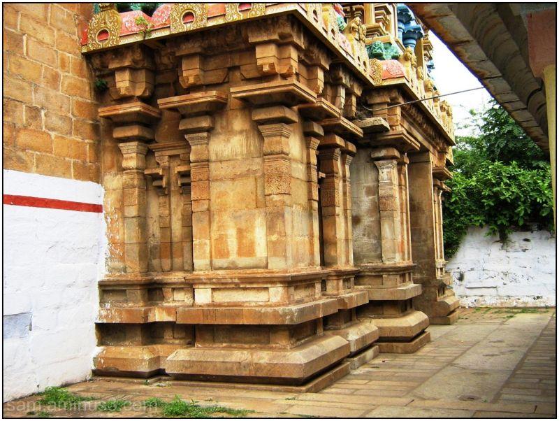 Thiruvanaikkaval Temple Entrance