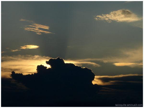 Tout au loin, le soleil (faraway the sun)