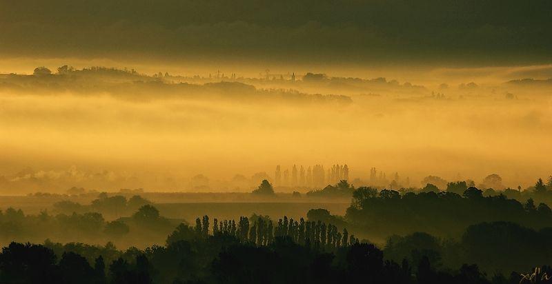 La brume au loin