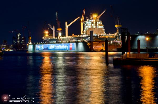 AIDA küsst Hamburg