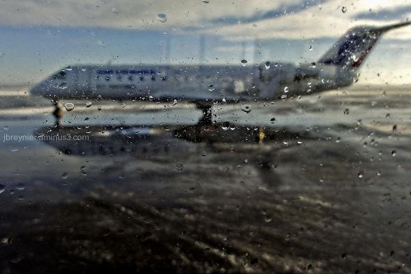 Plane blur droplets