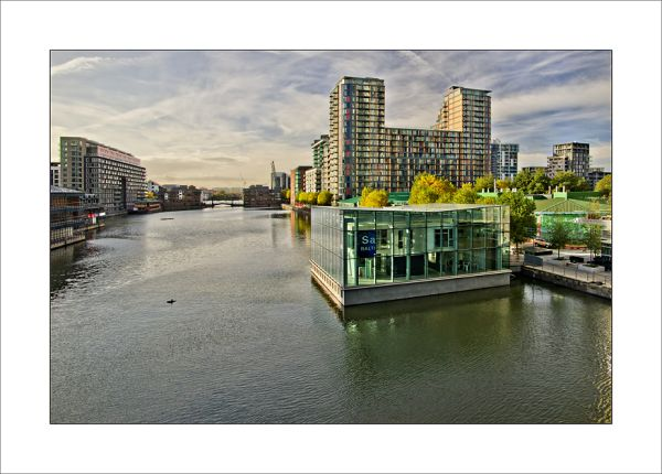 Thmes London Wanary Wharf