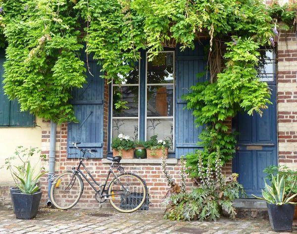 ... à bicyclette ....