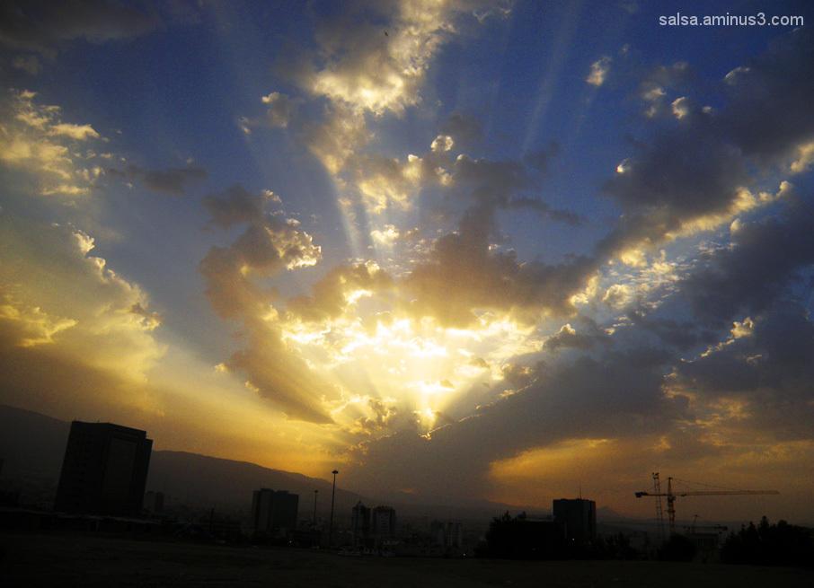 Téhéran série . . . Dawn = سَحَر Sahar