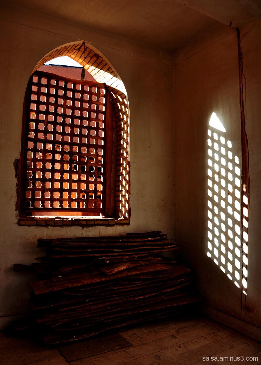 Gate of light . 2