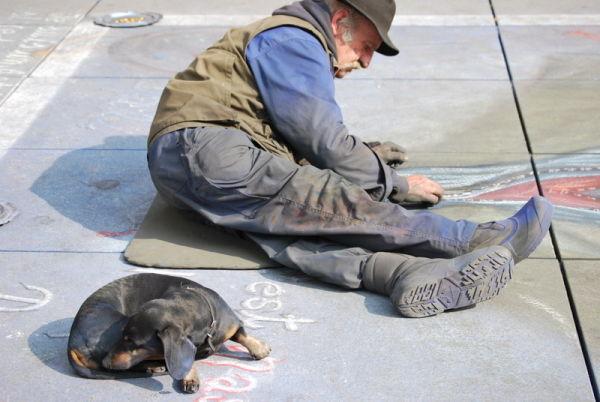L'artiste et son chien .