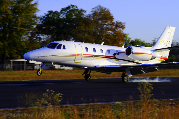 Cessna Citation 560XL private jet touching down