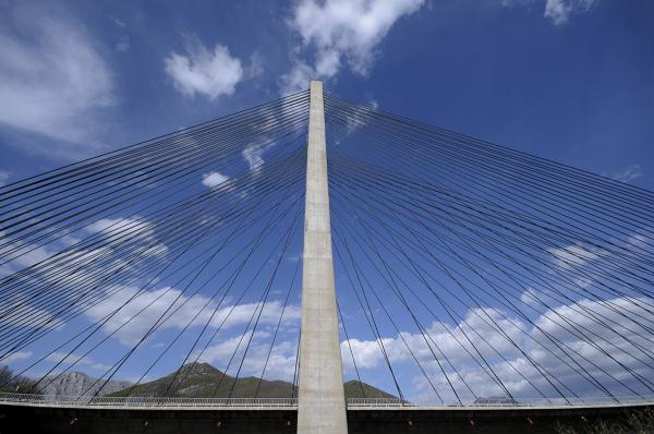 Puente de Manterola. Manterola's bridge. III