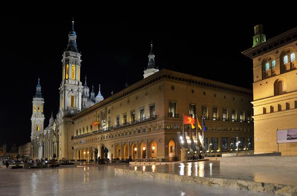 Luz y noche. Light and night in Zaragoza. 2