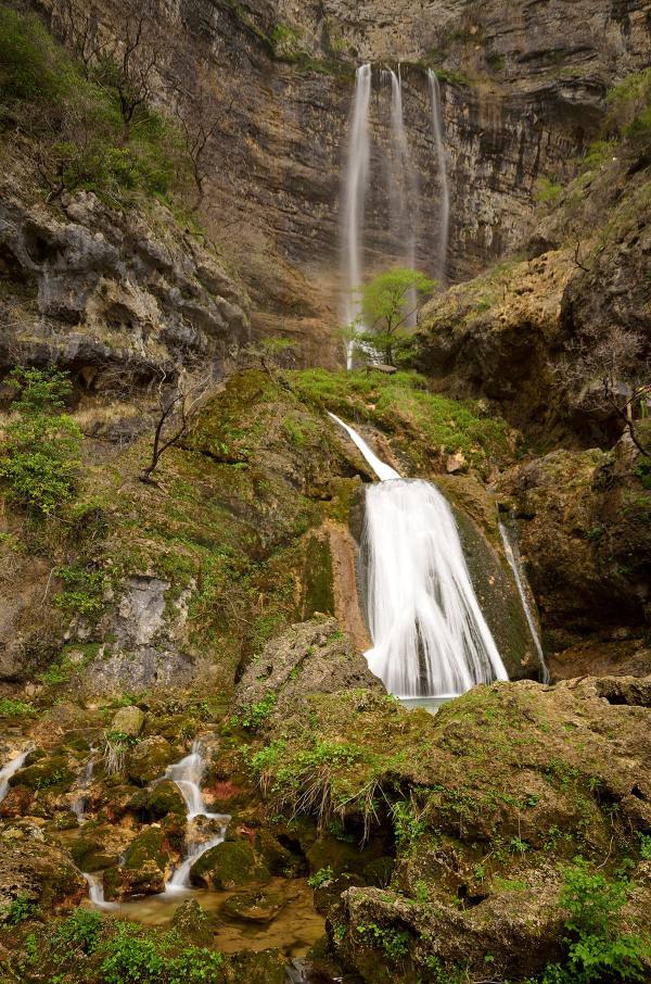 El nacimiento de un río. The source of a river