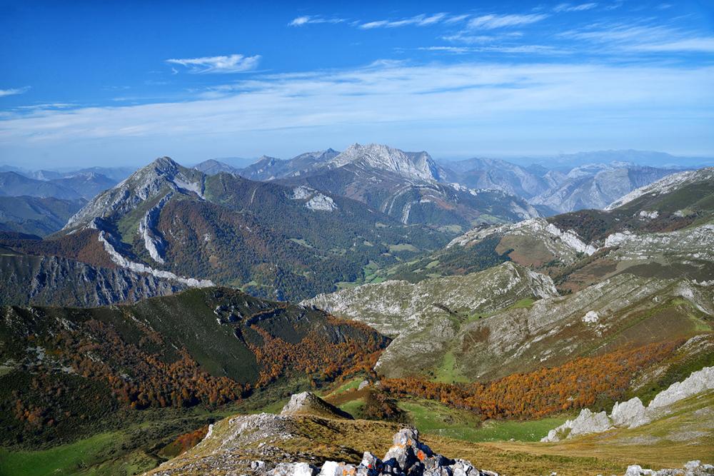 Otoño en las montañas. Autumn in the mountains