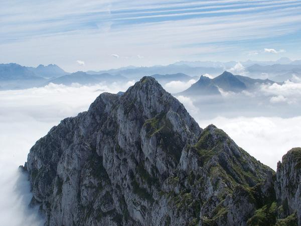 Sobre las nubes. Over the clouds.