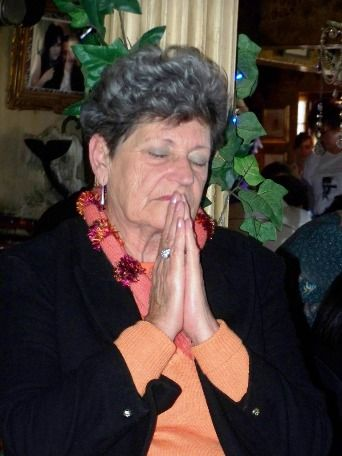 lady praying