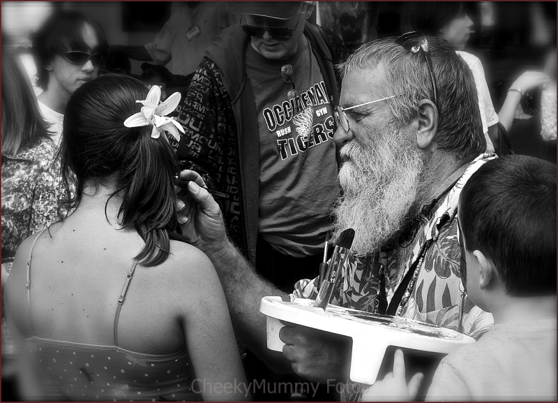 Face painter at art fair Prescott