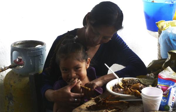 Comiendo y sonriendo - jl