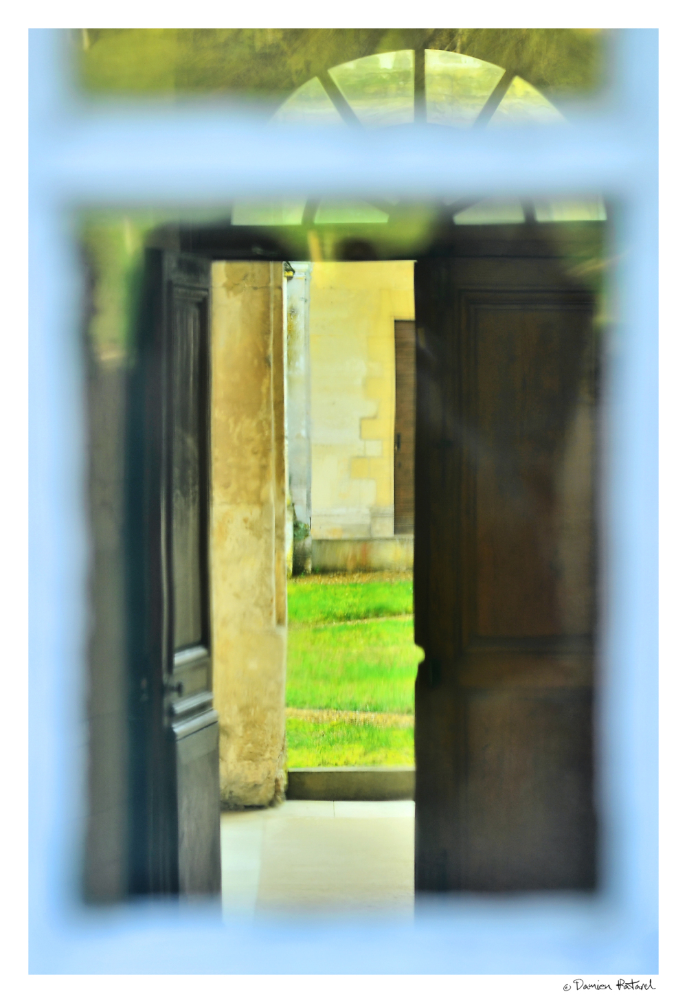 abbaye, bec hellouin, caché derrière