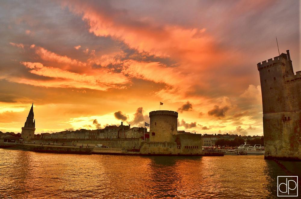 tours larochelle vieux port crépuscule