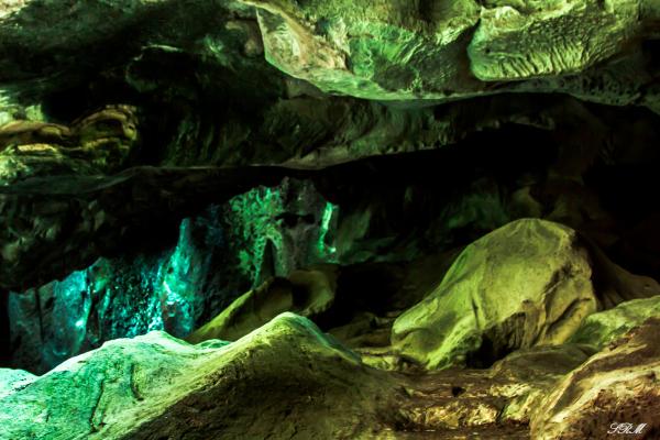 cave+shadow+solitude+colorful+italy+tivoli villa