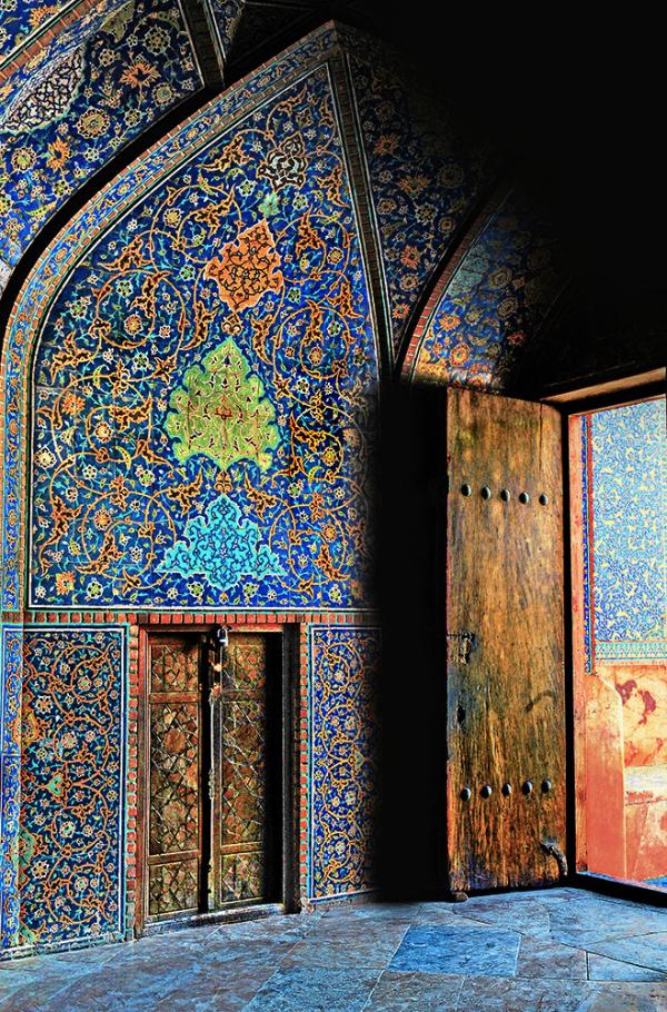 lutf Allah Mosque