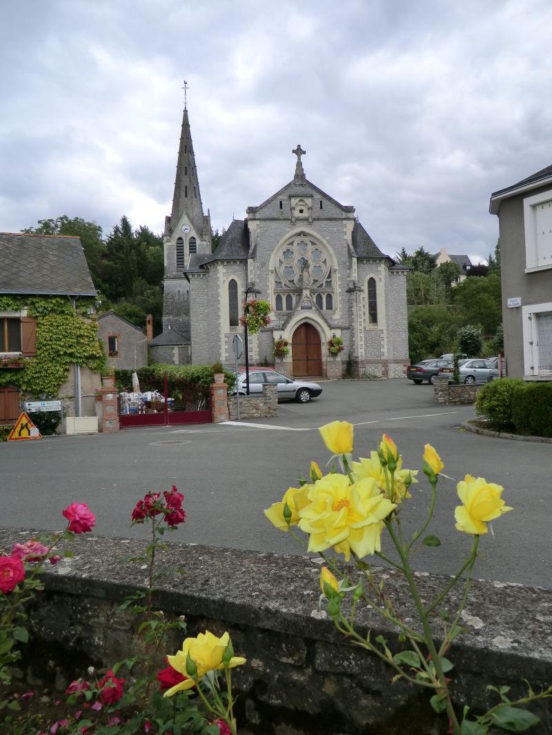 Place de l'église à Chaudefonds-sur-Layon