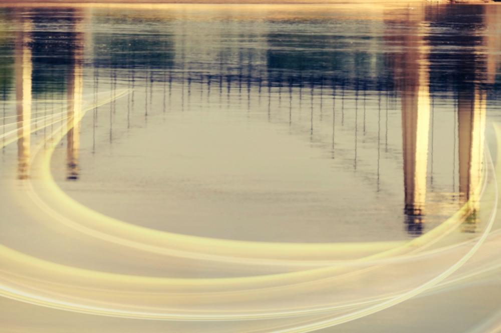 L'illusion reflets d'encre et d'or du pont de sens